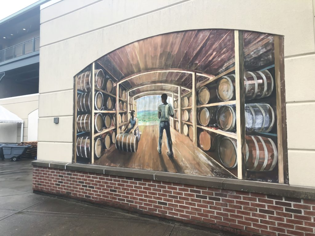 Remember when I said there were a lot of murals?? Well, today, I'm featuring SIXTEEN more murals, along with their locations! There are still many around the city that I haven't featured yet, but I plan to in the future. #sharethelex #lexingtonky #kentucky #legalgraffiti #streetart #mural #travelky #visitlex